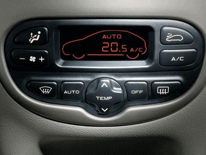 2006 Peugeot Dongfeng 206 1.6 5-door chinese version 32