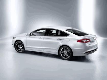 2013 Ford Mondeo sedan hybrid 2