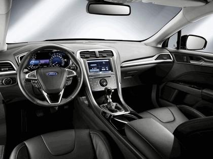 2013 Ford Mondeo sedan hybrid 3