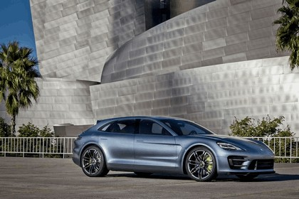 2012 Porsche Panamera Sport Turismo concept 29
