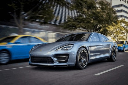 2012 Porsche Panamera Sport Turismo concept 32