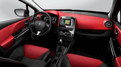 2012 Renault Clio Estate 23