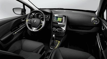 2012 Renault Clio Estate 26