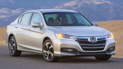 2013 Honda Accord PHEV 7