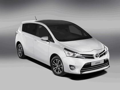 2012 Toyota Verso 1
