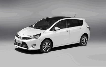 2012 Toyota Verso 2