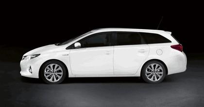 2012 Toyota Auris Touring Sports 2