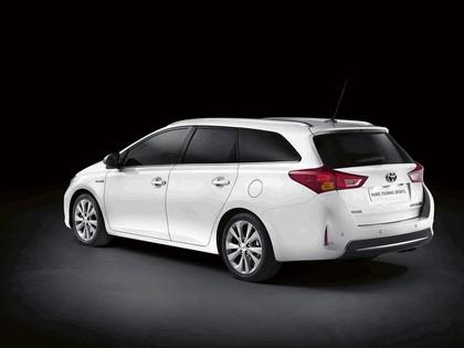 2012 Toyota Auris Touring Sports 3