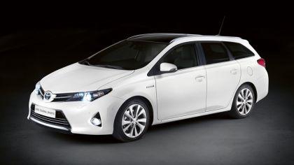 2012 Toyota Auris Touring Sports 1