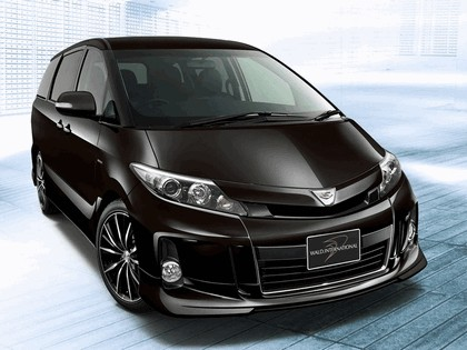 2012 Toyota Estima Aeras by Wald 1