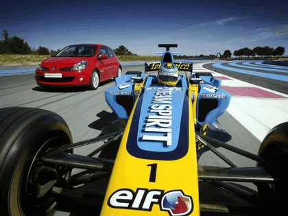 2006 Renault Clio Renault Sport and F1 4