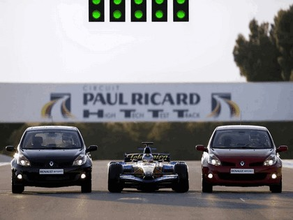 2006 Renault Clio Renault Sport and F1 6