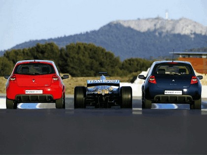 2006 Renault Clio Renault Sport and F1 7