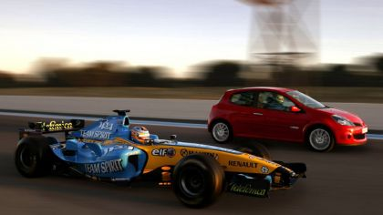 2006 Renault Clio Renault Sport and F1 8