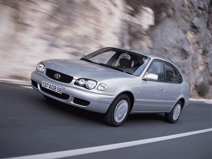 1999 Toyota Corolla 5-door 4