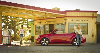 2012 Volkswagen Beetle cabriolet - USA version 3