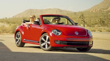 2012 Volkswagen Beetle cabriolet - USA version 2