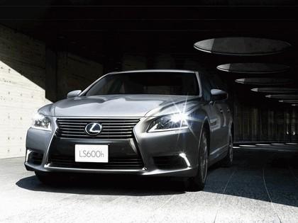 2012 Lexus LS600h - Japan version 2