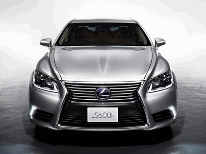 2012 Lexus LS600h - Japan version 3