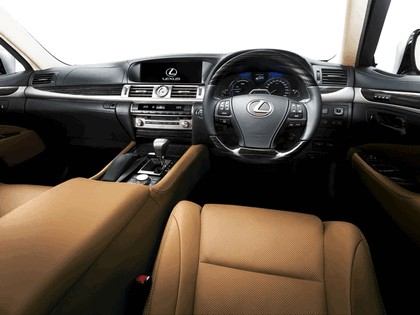 2012 Lexus LS600h - Japan version 5