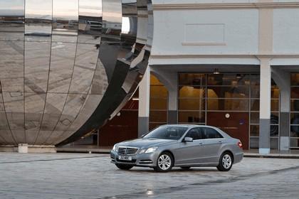 2012 Mercedes-Benz E300 Hybrid saloon 1
