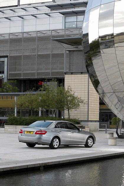 2012 Mercedes-Benz E300 Hybrid saloon 4