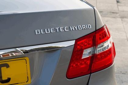 2012 Mercedes-Benz E300 Hybrid saloon 29
