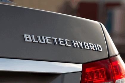 2012 Mercedes-Benz E300 Hybrid saloon 30