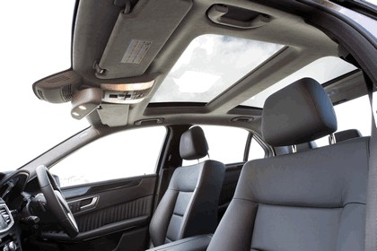 2012 Mercedes-Benz E300 Hybrid saloon 32