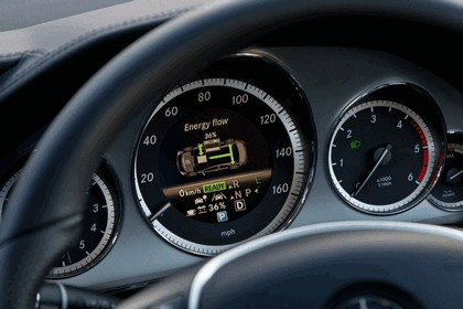 2012 Mercedes-Benz E300 Hybrid saloon 37