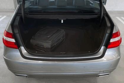 2012 Mercedes-Benz E300 Hybrid saloon 53