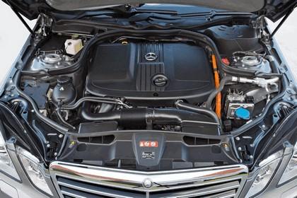 2012 Mercedes-Benz E300 Hybrid saloon 54
