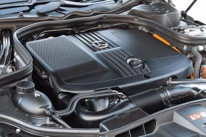 2012 Mercedes-Benz E300 Hybrid saloon 57