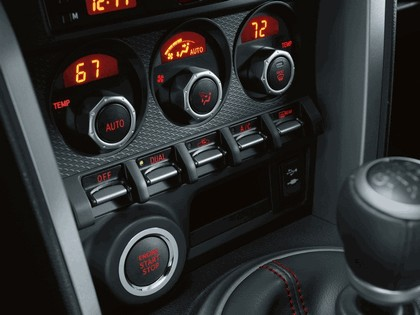 2013 Subaru BRZ - USA version 35