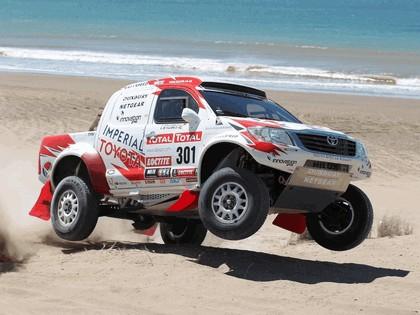 2012 Toyota Hilux rally car 3