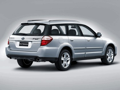 2006 Subaru Outback 2.5i european version 6