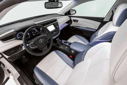 2012 Toyota Avalon White 8