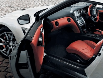 2013 Nissan GT-R ( R35 ) - UK version 3