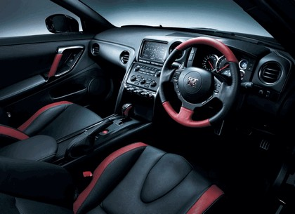 2013 Nissan GT-R ( R35 ) - UK version 6