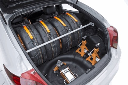 2012 Hyundai Veloster by Katzkin 12