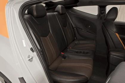2012 Hyundai Veloster by Katzkin 16