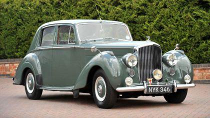 1952 Bentley R-Type Standard saloon 4