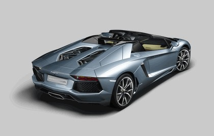 2012 Lamborghini Aventador LP700-4 roadster 3