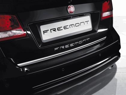 2012 Fiat Freemont Park Avenue 2