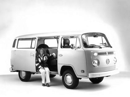 1972 Volkswagen T2 Bus 6
