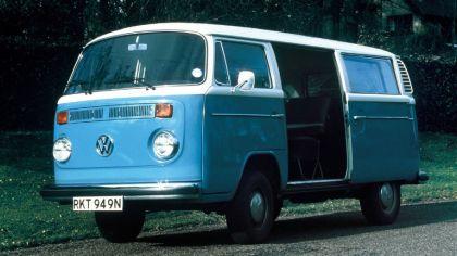 1972 Volkswagen T2 Bus 8