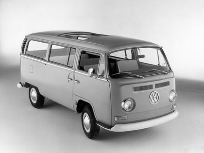 1967 Volkswagen T2 Bus 1