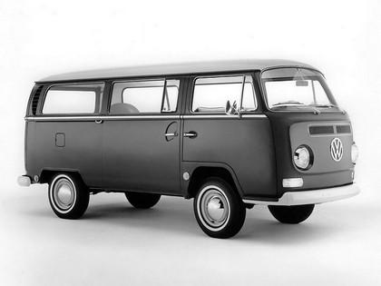 1967 Volkswagen T2 Bus 2