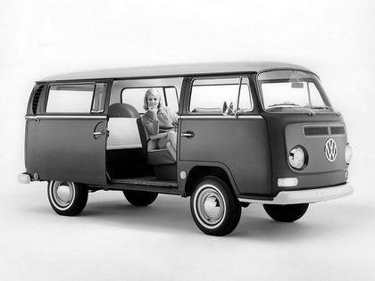 1967 Volkswagen T2 Bus 3
