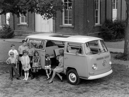 1967 Volkswagen T2 Bus 4